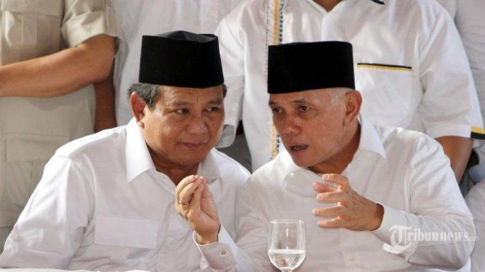 Prabowo Subianto et son candidat à la Vice-présidence, Hatta Rajasa. © tribunnews.com